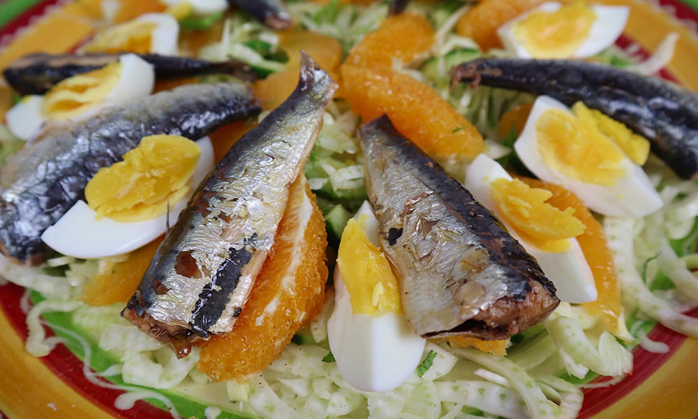 Venkelsalade met sardines close up